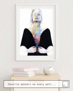 La photo montre un exemple d'ameublement avec le motif ANOTHER ONE (INSIDE THE SHELL) par Agnes Cecile comme peinture murale