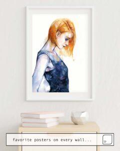 Das Bild zeigt ein Einrichtungsbeispiel mit dem Motiv HELIOTROPIC GIRL von Agnes Cecile als Wandbild