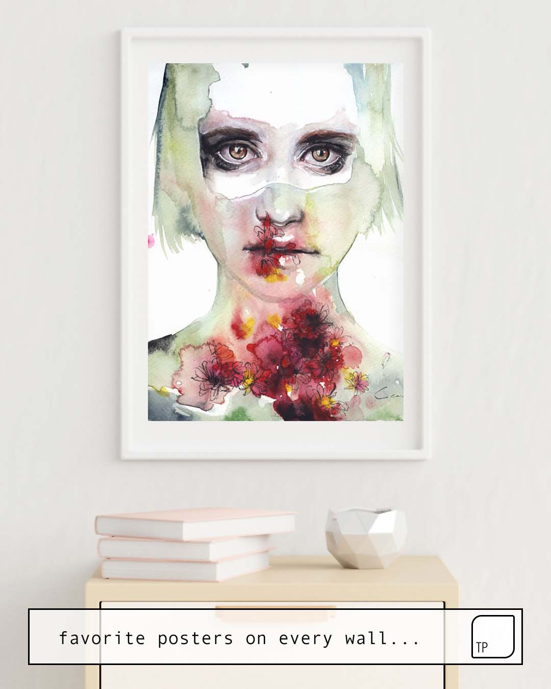 The photo shows an example of furnishing with the motif KEEPING INSIDE THIS WILD FLOWERING by Agnes Cecile as mural