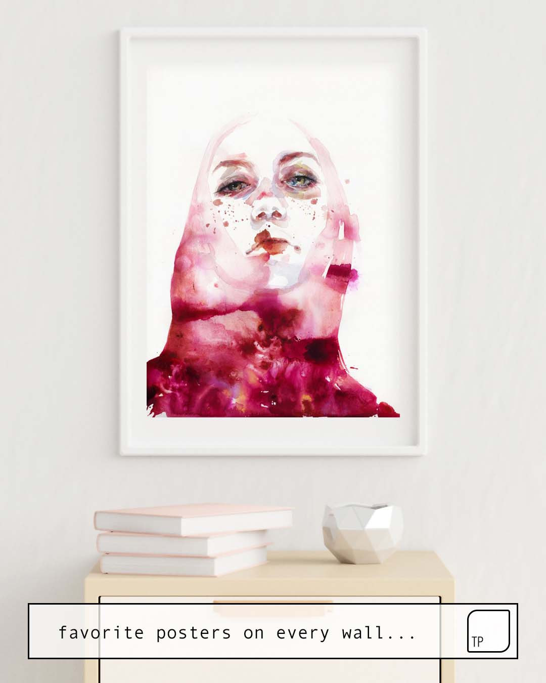 The photo shows an example of furnishing with the motif MELOGRANO by Agnes Cecile as mural