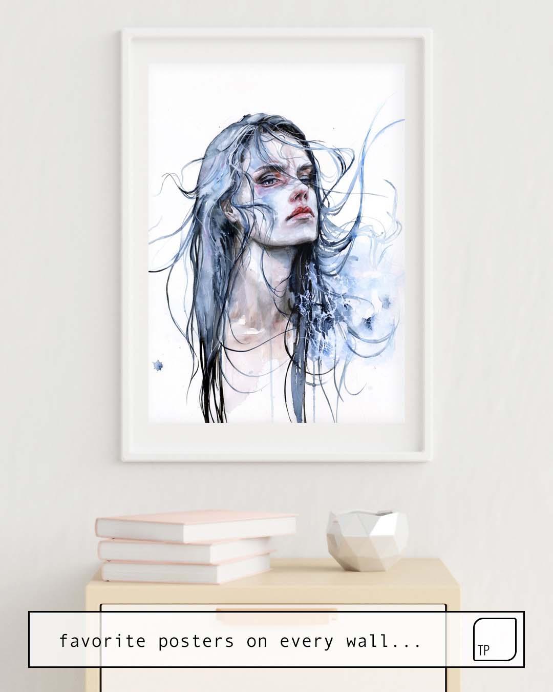 La photo montre un exemple d'ameublement avec le motif OBSTINATE IMPASSE par Agnes Cecile comme peinture murale