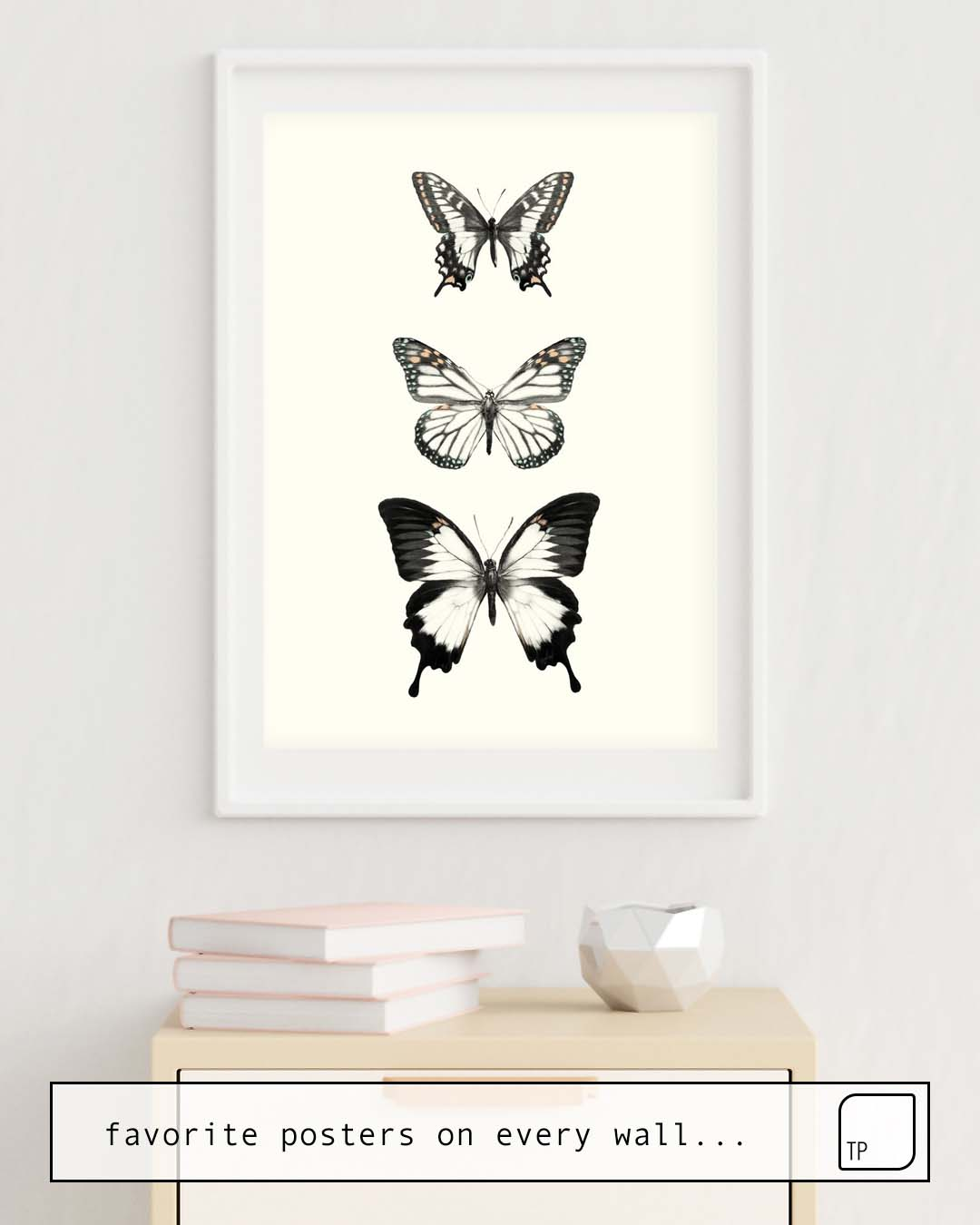 The photo shows an example of furnishing with the motif BUTTERFLIES // ALIGN by Amy Hamilton as mural