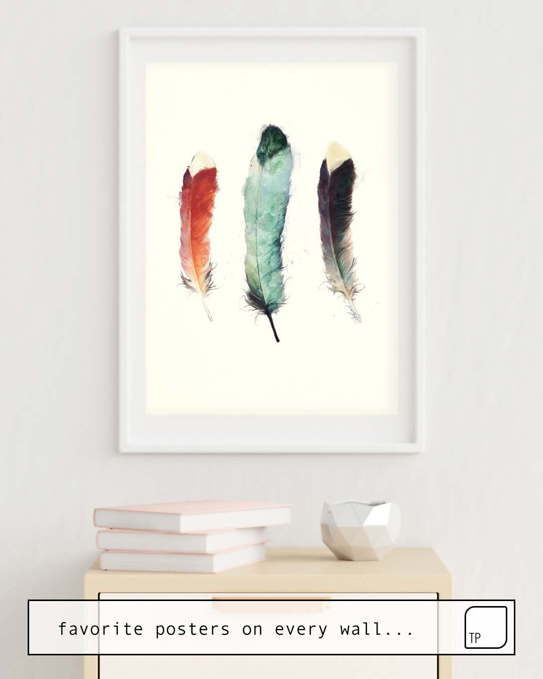 The photo shows an example of furnishing with the motif FEATHERS by Amy Hamilton as mural