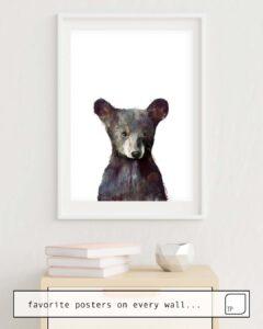 Das Bild zeigt ein Einrichtungsbeispiel mit dem Motiv LITTLE BEAR von Amy Hamilton als Wandbild