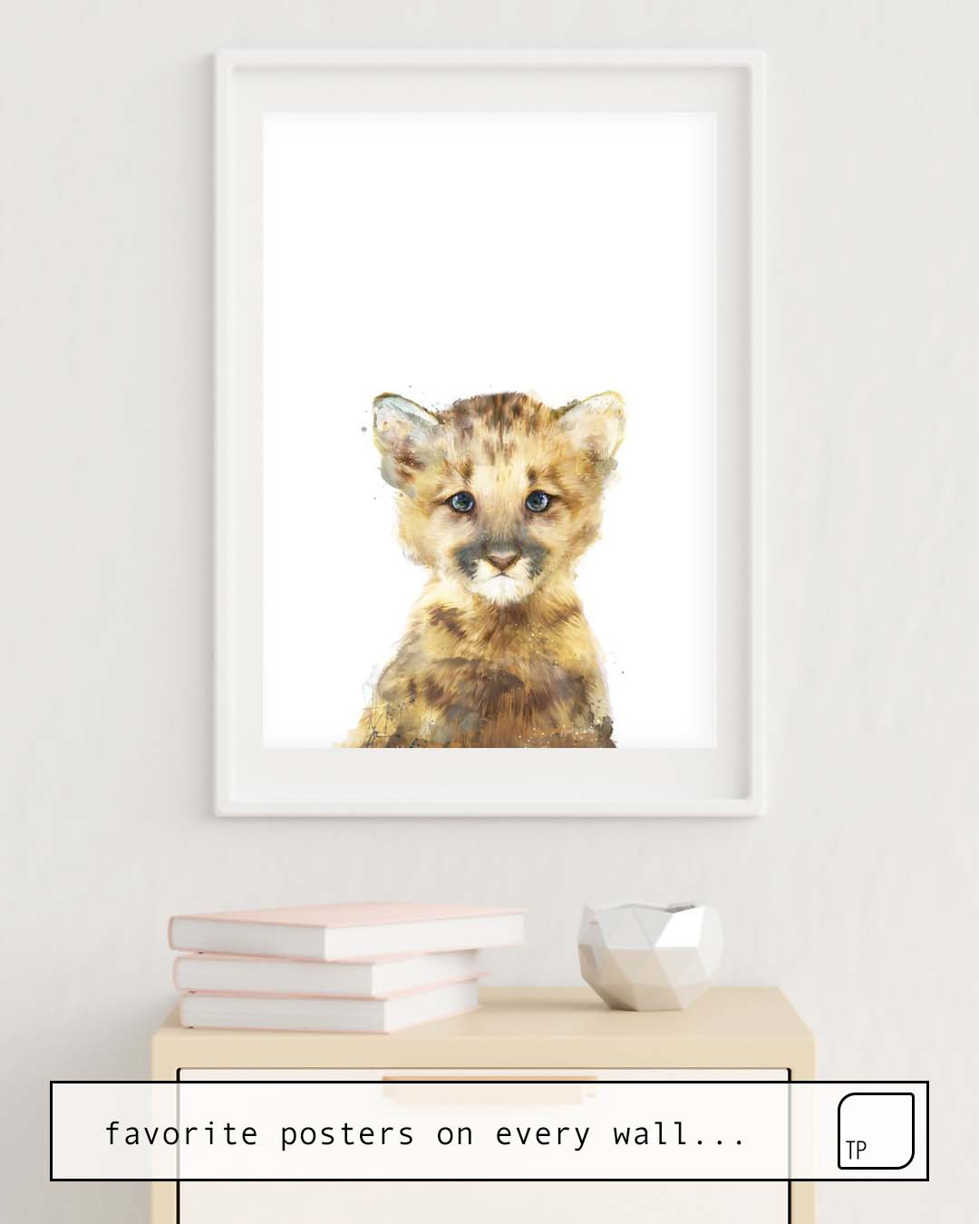 The photo shows an example of furnishing with the motif LITTLE MOUNTAIN LION by Amy Hamilton as mural