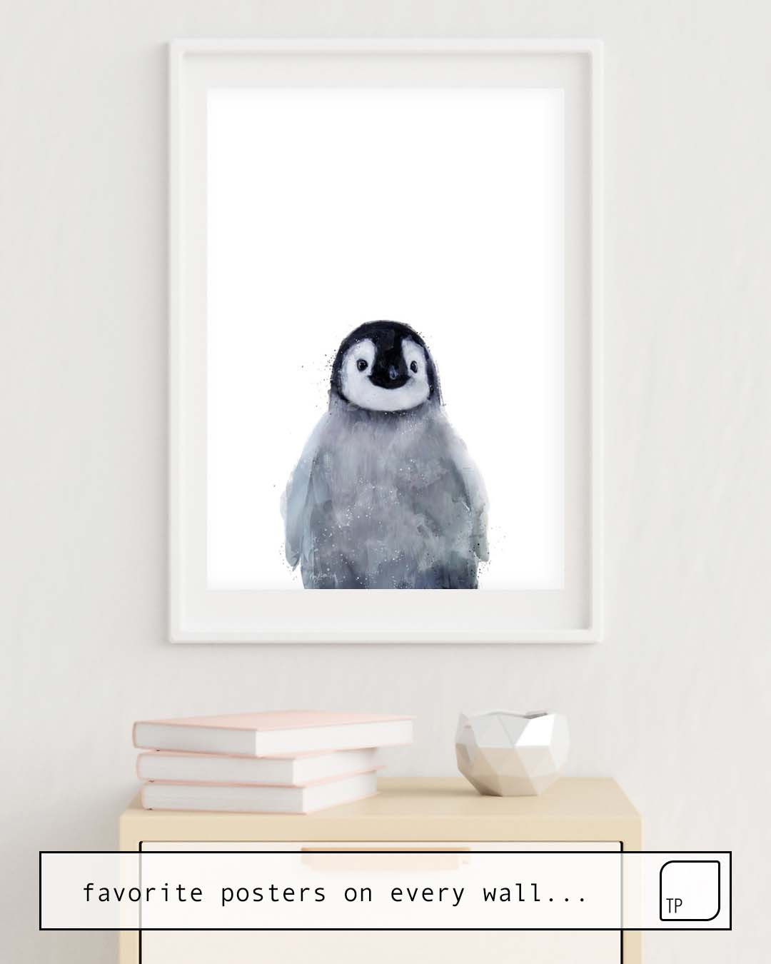 The photo shows an example of furnishing with the motif LITTLE PENGUIN by Amy Hamilton as mural