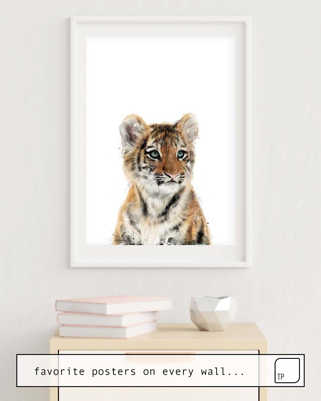 La foto muestra un ejemplo de decoración con el motivo LITTLE TIGER por Amy Hamilton como un mural