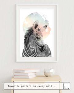 Das Bild zeigt ein Einrichtungsbeispiel mit dem Motiv ZEBRA // DREAMING von Amy Hamilton als Wandbild
