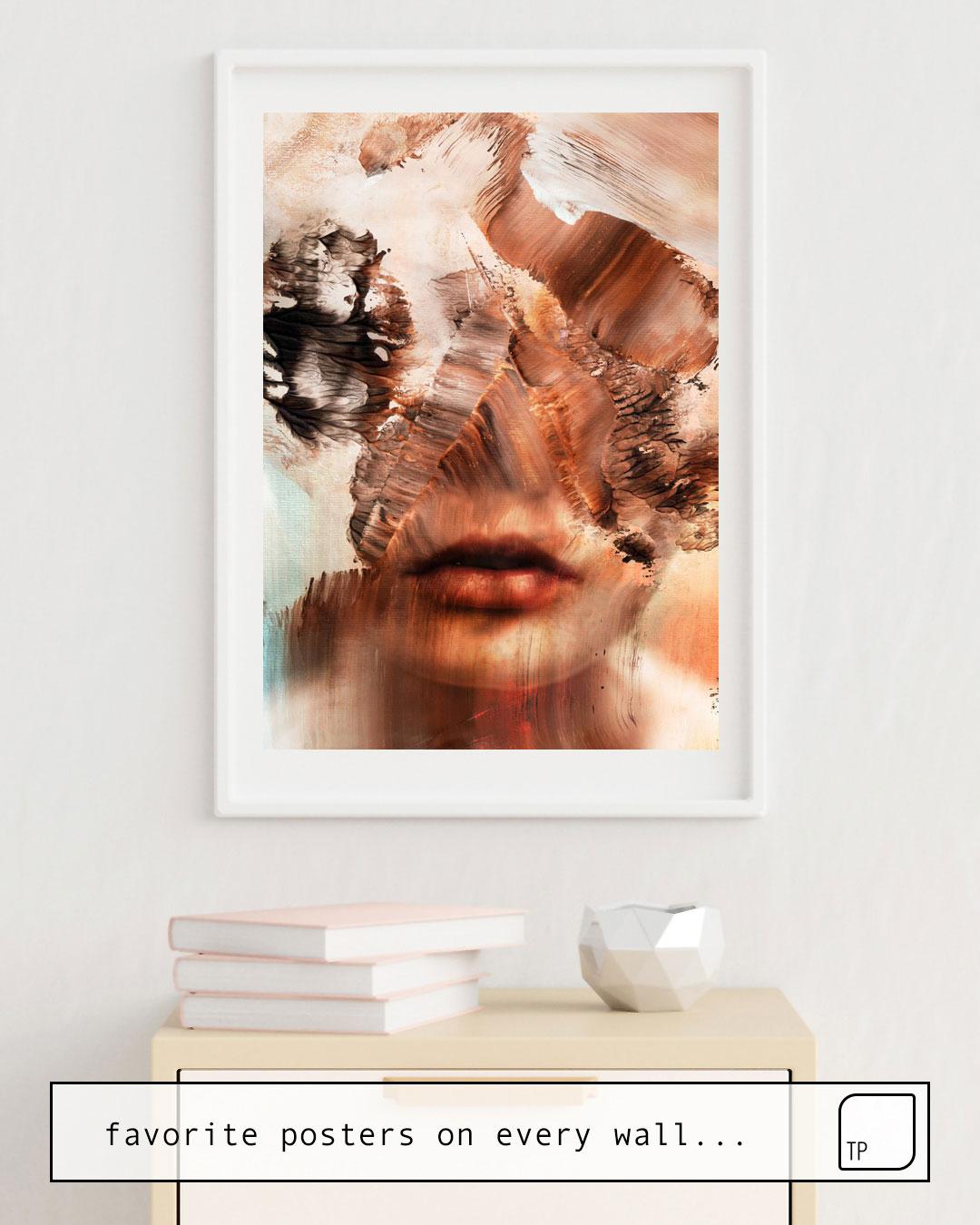 Das Bild zeigt ein Einrichtungsbeispiel mit dem Motiv BEAUTIFUL DECAY von Andreas Lie als Wandbild