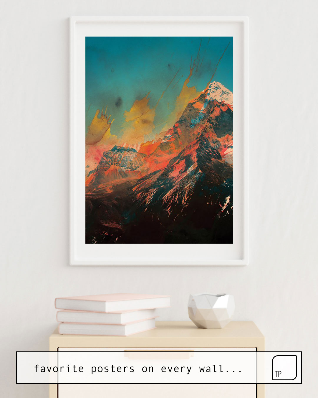 The photo shows an example of furnishing with the motif MOUNTAIN by Andreas Lie as mural