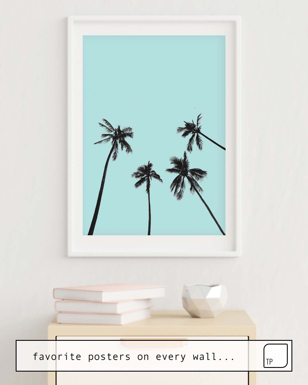 The photo shows an example of furnishing with the motif PALM TREES 5 by Andreas12 as mural