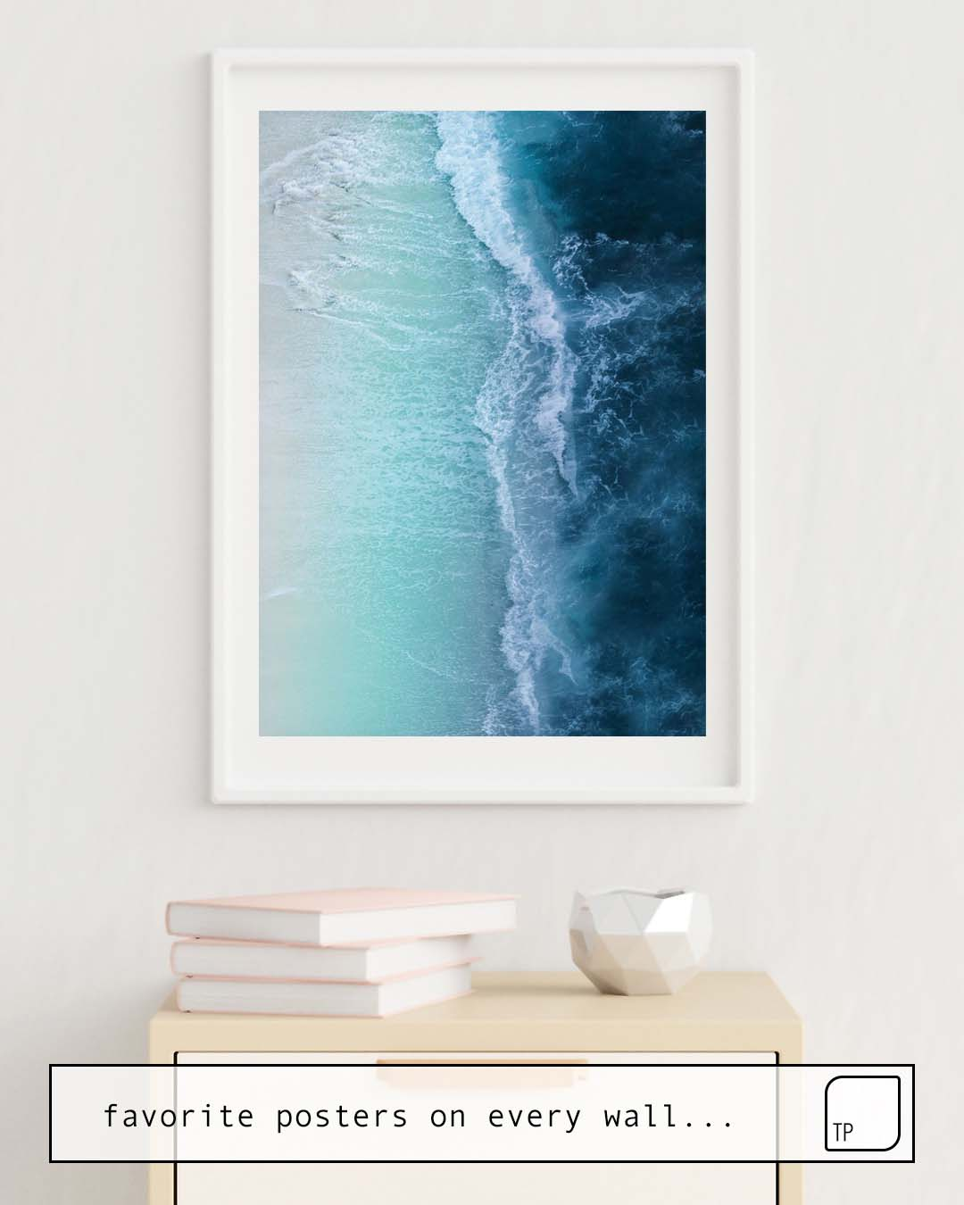 The photo shows an example of furnishing with the motif TURQUOISE SEA by Andreas12 as mural
