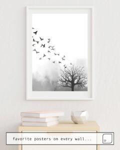 Das Bild zeigt ein Einrichtungsbeispiel mit dem Motiv BIRDS AND TREE von Art by ASolo als Wandbild
