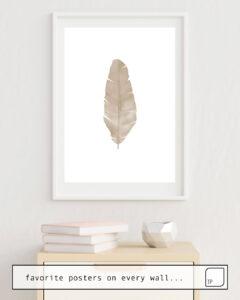 Das Bild zeigt ein Einrichtungsbeispiel mit dem Motiv DRY BANANA LEAF von Art by ASolo als Wandbild