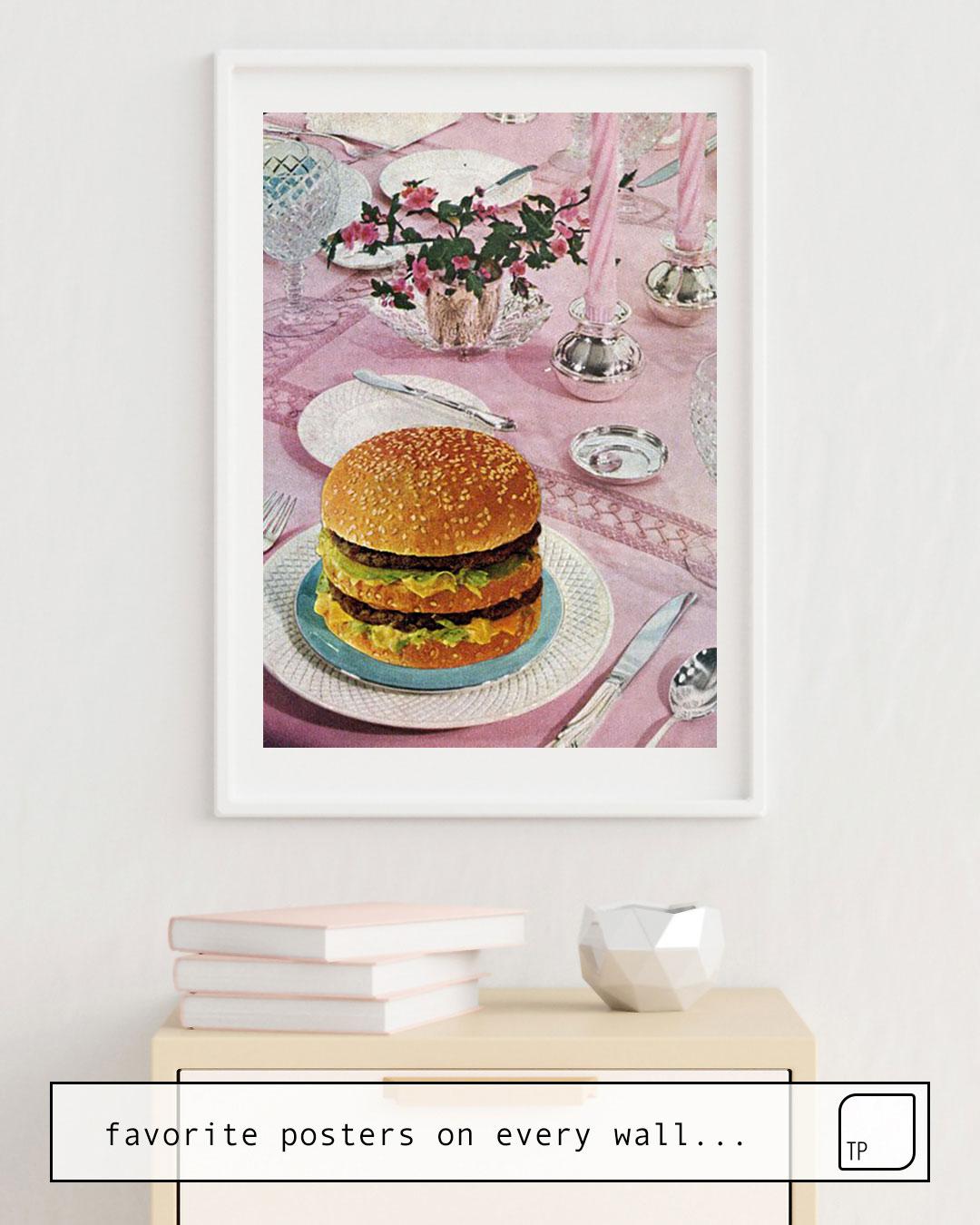 Das Bild zeigt ein Einrichtungsbeispiel mit dem Motiv BURGER von Beth Hoeckel als Wandbild