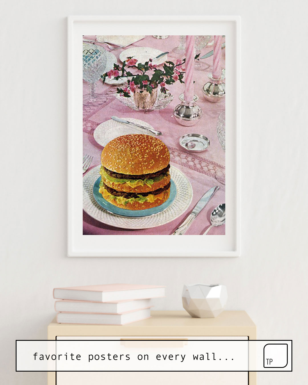 The photo shows an example of furnishing with the motif BURGER by Beth Hoeckel as mural