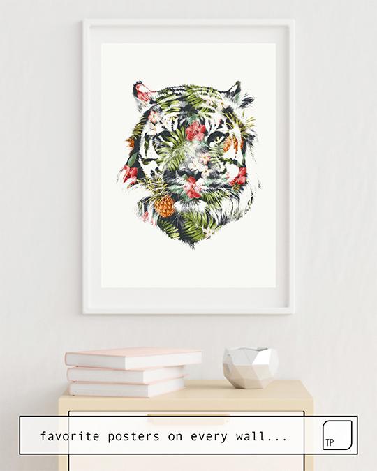 Das Bild zeigt ein Einrichtungsbeispiel mit dem Motiv TROPICAL TIGER von Robert Farkas als Wandbild
