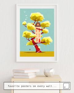 La photo montre un exemple d'ameublement avec le motif THE TREEHOUSE IN MY DREAM par Yetiland comme peinture murale